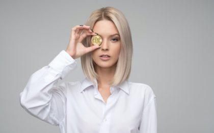 Bitcoin mit Frau